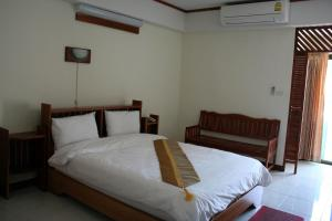 A room at Riverfront Hotel Mukdahan