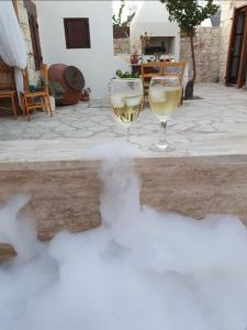 Getränke in der Unterkunft House of Eleni