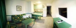 The lounge or bar area at Apartamentos Florida Gran Canaria Adults Only