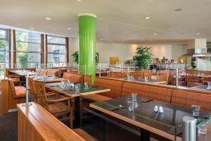 Ein Restaurant oder anderes Speiselokal in der Unterkunft Seminaris SeeHotel Potsdam