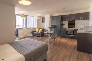 A kitchen or kitchenette at Dream Pods Liverpool