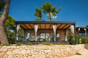 The facade or entrance of Medora Orbis Mobile Homes & Glamping