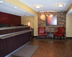 The lounge or bar area at Red Roof Inn Wilkes-Barre Arena