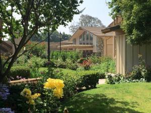 A garden outside Red Roof Inn San Dimas - Fairplex