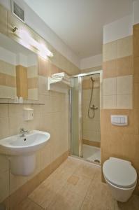 Łazienka w obiekcie Hotel Sezam Kraczkowa