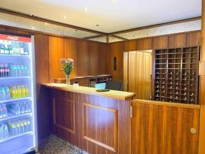 Lounge oder Bar in der Unterkunft Hotel am Rathaus