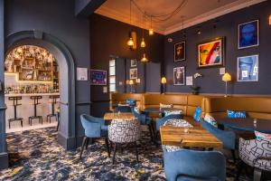 The lounge or bar area at Abbey Hotel Bath, a Tribute Portfolio Hotel
