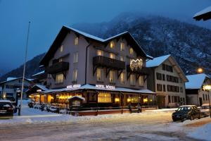 Hotel Rössli during the winter