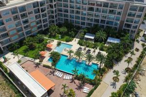 Uma vista aérea de Spectacular apartment in levent eagle beach