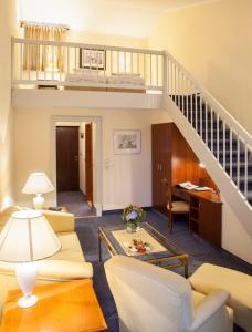 Lounge oder Bar in der Unterkunft Hotel Hofmark
