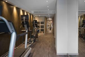 The fitness center and/or fitness facilities at Catalonia Square 4* Sup