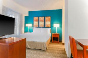 A room at Residence Inn by Marriott Chicago Oak Brook