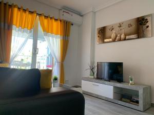 The lounge or bar area at Eldorado Apartment La Mata