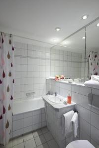 Ein Badezimmer in der Unterkunft Hotel Weimarer Berg