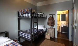 A bunk bed or bunk beds in a room at Holiday Jones