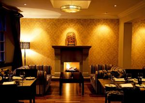A restaurant or other place to eat at The Popinjay Hotel & Spa