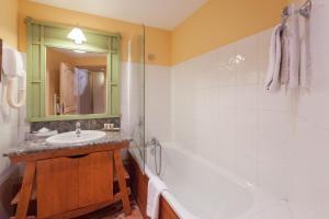 A bathroom at Résidence Pierre & Vacances Premium Arc 1950 Le Village