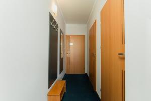 Łóżko lub łóżka piętrowe w pokoju w obiekcie Karpackie Pokoje