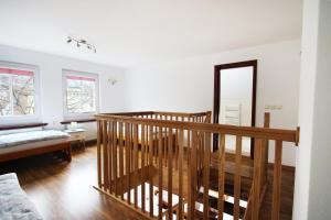 Łóżko lub łóżka piętrowe w pokoju w obiekcie Pokoje gościnne Kasia i Darek