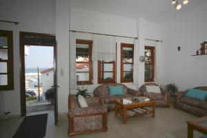 Χώρος καθιστικού στο Lemos Hotel