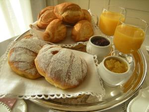 Breakfast options available to guests at Bed & Breakfast Sant'Erasmo