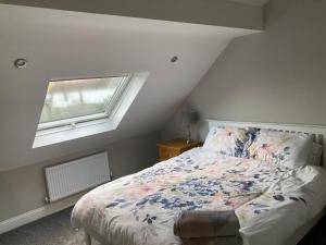 A room at White House Cottages