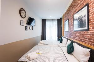 A room at B Street Hotel