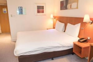 A room at DoubleTree by Hilton Reading M4 J10