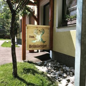 Eine Fassade oder ein Eingang zu Ferienwohnung Heimberger - Appartement 2