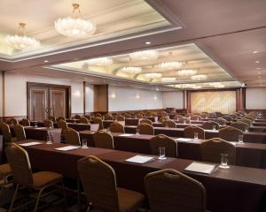 The business area and/or conference room at ANA Crowne Plaza Osaka