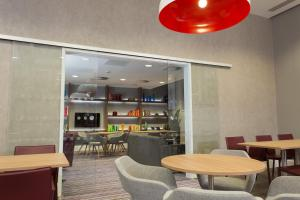 A restaurant or other place to eat at Staybridge Suites Birmingham