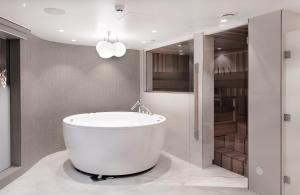 Vonios kambarys apgyvendinimo įstaigoje Radisson Blu Royal Hotel, Helsinki