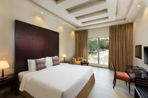 A room at Millennium Central Al Mafraq