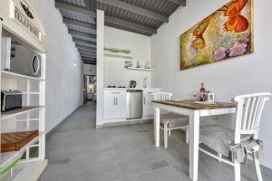 A cozinha ou cozinha compacta de Brand-new Esmeralda Apartment