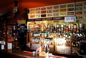 Lounge nebo bar v ubytování Pension Alfa & Whisky Pub