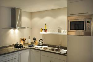 مطبخ أو مطبخ صغير في ستاي بريدج سويتس سيتي ستارز