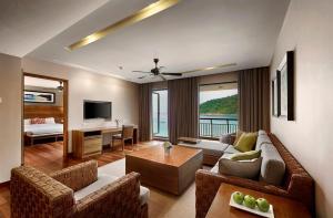 Loungen eller baren på The Taaras Beach & Spa Resort