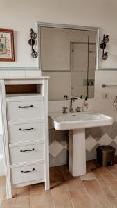 A bathroom at Casa Los Lirios