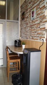 Кухня или мини-кухня в Ideal Home mini-hotel