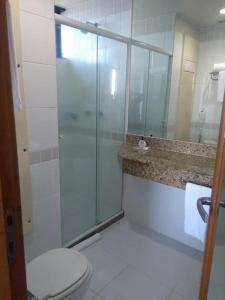 A bathroom at Flat Tropical Executive
