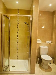 A bathroom at Hillview Self Catering