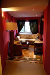 A seating area at Zur Ewigen Lampe Romantik und Landhotel
