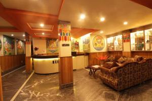 The lobby or reception area at HOTEL VAJRAKILA