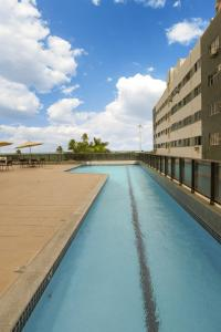 The swimming pool at or close to Transamerica Prestige - Beach Class International (Boa Viagem)