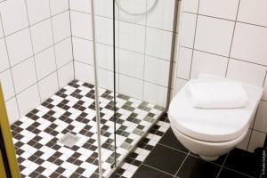 A bathroom at Hôtel Graffalgar