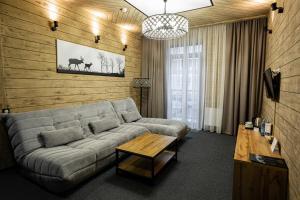 Гостиная зона в Alpen Park