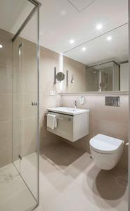 A bathroom at Stadthotel Münster