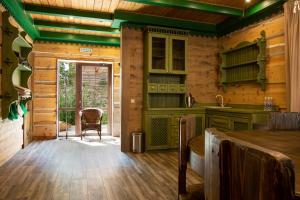A kitchen or kitchenette at Green Landiya