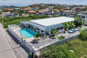 Uma vista aérea de Villa Vermaire Apartments