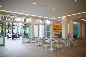 A restaurant or other place to eat at Hotel Terme Venezia